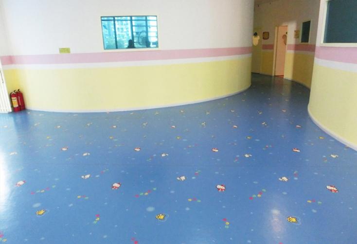 幼儿园地面施工